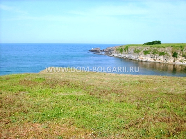 Buy land in Panicale on the beach